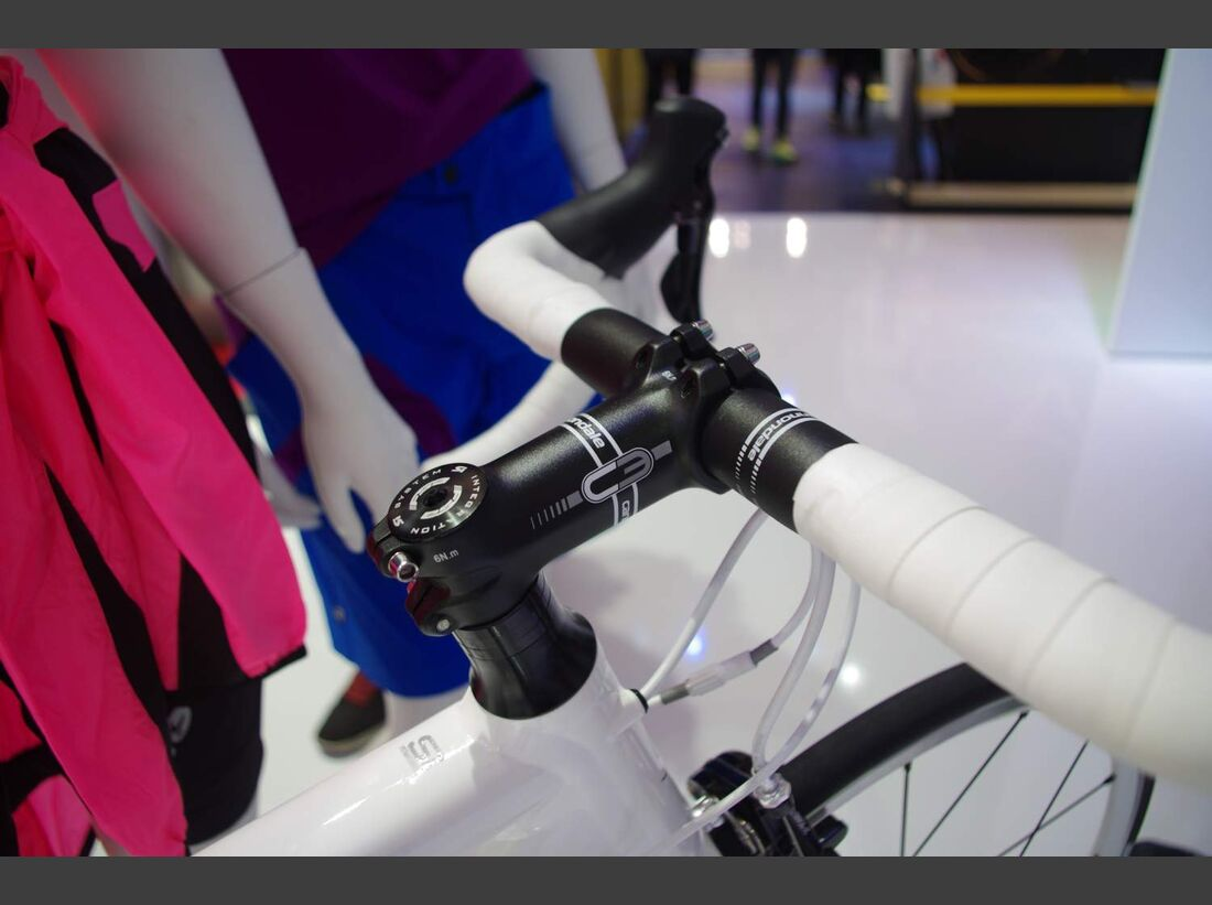 RB-Cannondale-CAAD10-Womens-10S-Eurobike-2014-2 (jpg)