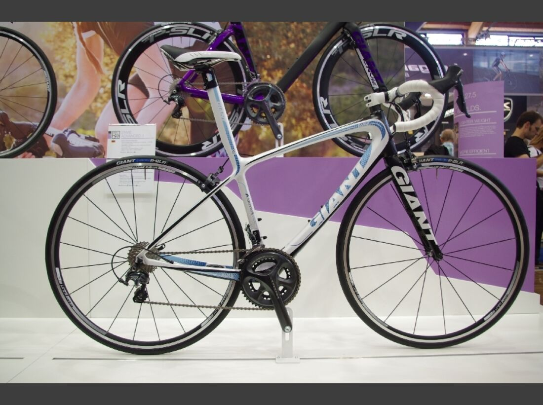 RB-Eurobike-2013-Giant-Avail-Composite-Lady-RB-Eurobike-2013-Giant-Avail-SL-Lady-IMGP9015 (jpg)