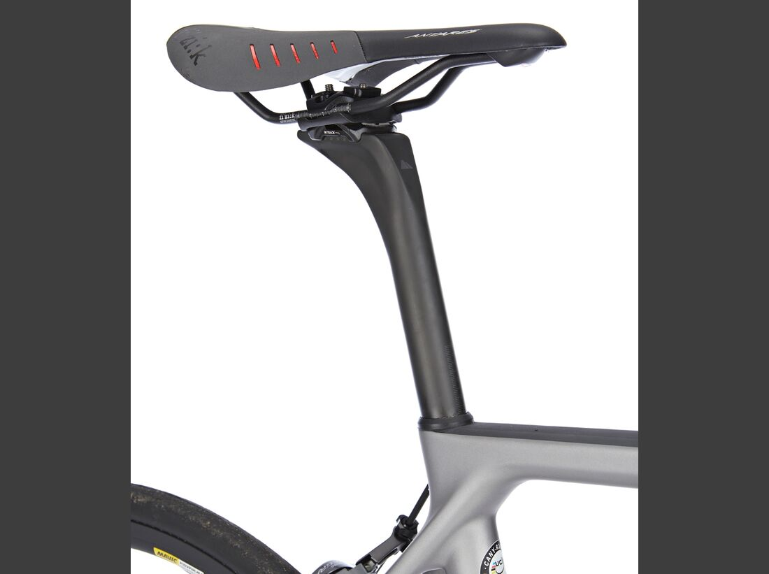 rb-0217-canyon-ultimate-cf-slx-8-punkt-0-detail-01-benjamin-hahn (jpg)