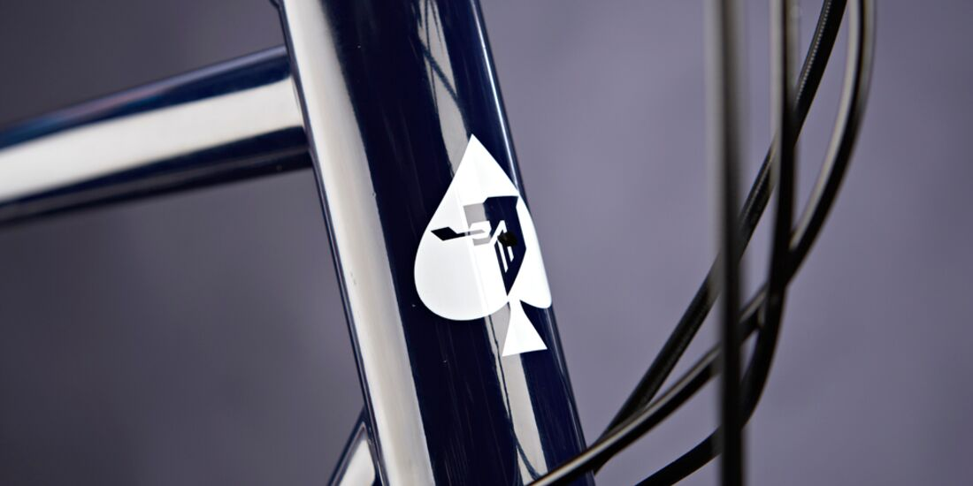 rb-1215-ritte-snob-disc-detail1-drake-images (jpg)