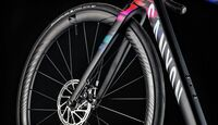 rb-2017-canyon-ultimate_wmn_cf_slx_disc_fork-2.jpg