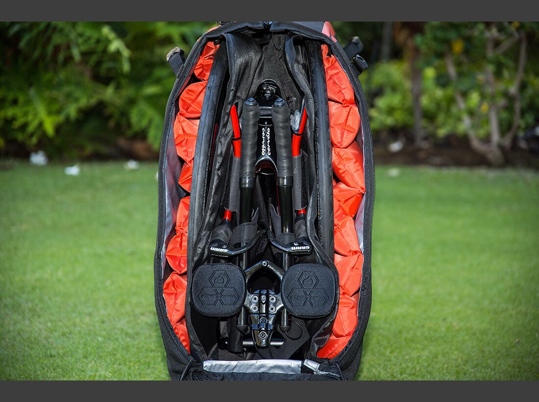 rb-cervelo-p5x-triathlon-2017-Biknd-P5X-Travel-Case-5 (jpg)