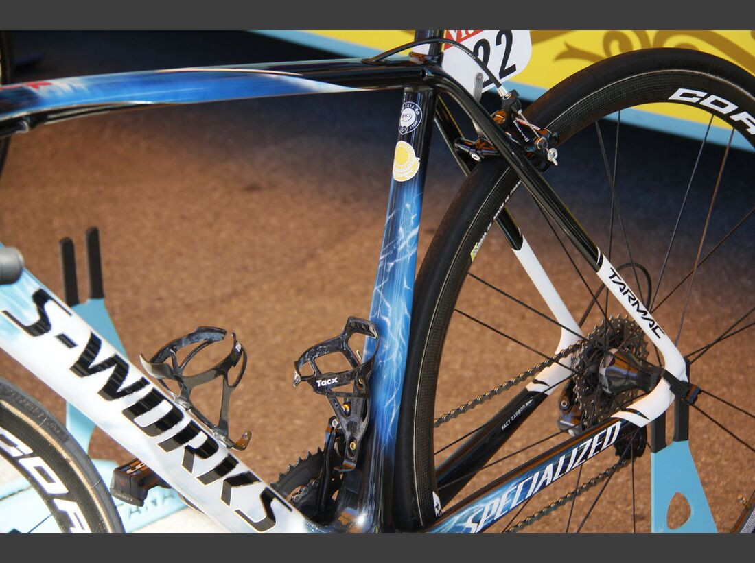 rb-tour-de-france-2016-bern-custom-paint-hohlbaum-specialized-tarmac-nibali-_MG_2197.jpg