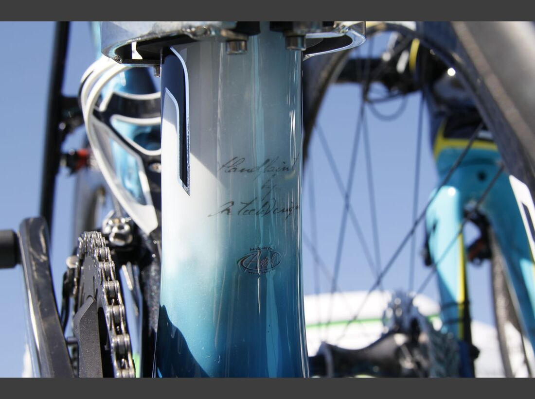 rb-tour-de-france-2016-bern-custom-paint-hohlbaum-specialized-tarmac-nibali-_MG_2219.jpg